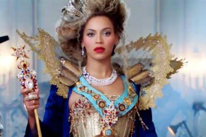 Beyonce-900-6001